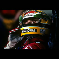 Photo F1 : portrait d'Ayrton Senna au GP du Japon 1989 - Paul-Henri Cahier