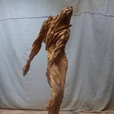 Ermite, sculpture en bois réalisée à la tronçonneuse par Xavier Dambrine
