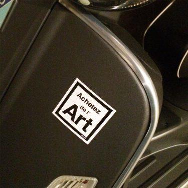 Notre sticker 6x6 sur un scooter !